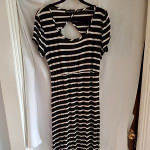 Black/White Stripe short sleeve maxi dress XL